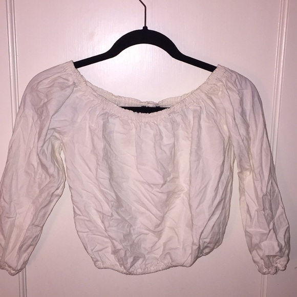 af46e9ebba33f6 Brandy Melville Tops - off white maura top